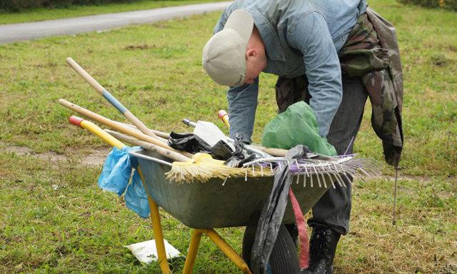 Правила уборки придомовой территории многоквартирного дома: нормы, оплата, переодичность и контроль