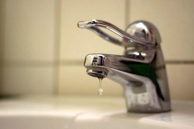 Слабый напор воды в квартире: пошаговая инструкция действий, когда и куда можно написать жалобу