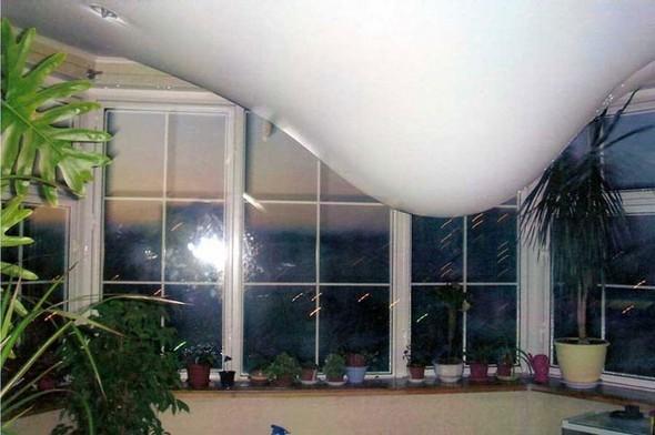 Соседи затопили натяжной потолок: что делать, если жильцы сверху залили меня?