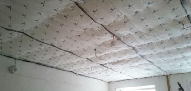 Как сделать звукоизоляцию потолка от соседей сверху: шумоизоляция от топота в квартире и помогают ли избавиться от ударного шума натяжные потолки?